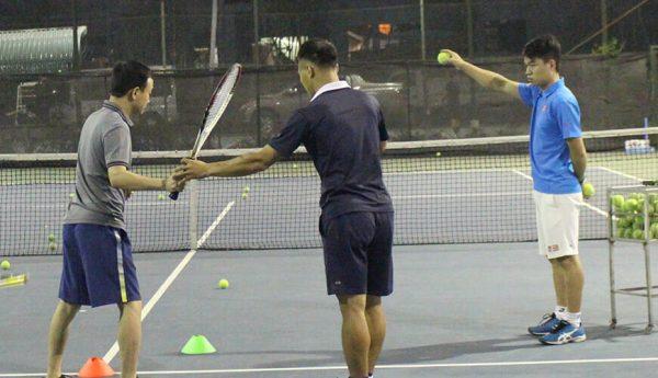 Kỹ thuật chơi tennis